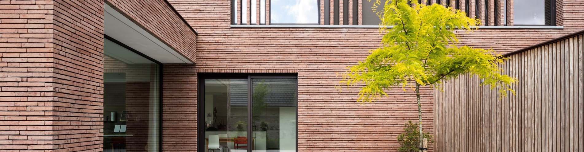 Vertical brick slats in linea7 8012 as an eye-catching feature